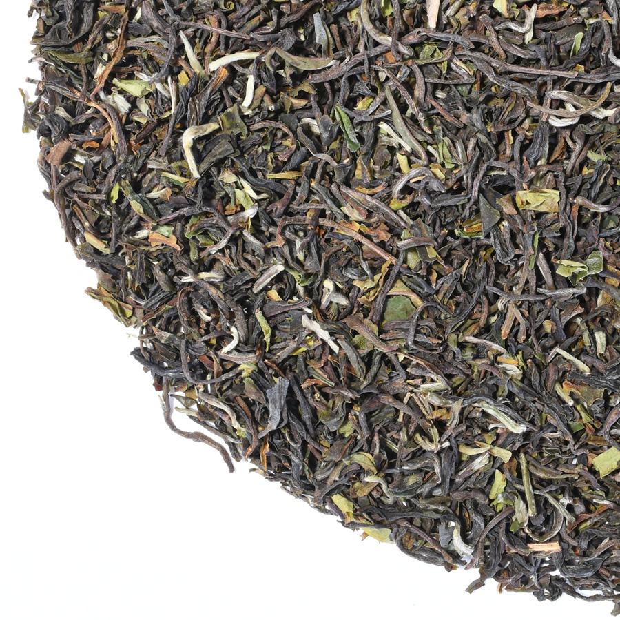 Darjeeling Upper Fagu Tea Estate 1st Flush black tea close yp