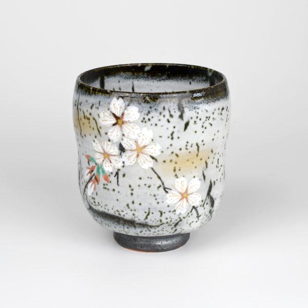 Japanese Cherry Blossoms on Tree Bark Teacup
