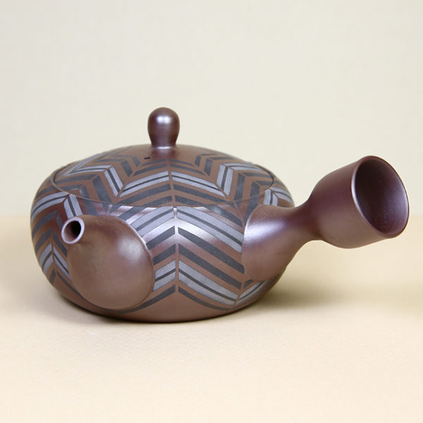 Banko Teapot with Sandblasted Chevron Pattern